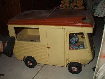 camping car mes poupees bella. Black Bedroom Furniture Sets. Home Design Ideas